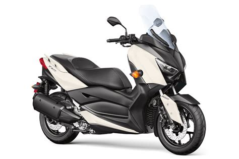 yamaha xmax scooter    fast facts