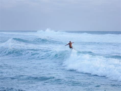 surf couching gold coast performance surf coaching walkin on water