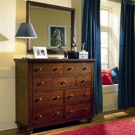 Cambridge Bedroom Furniture Aspenhome Cambridge 9 Drawer Chesser And Mirror Combo Belfort Furniture Dresser Mirror