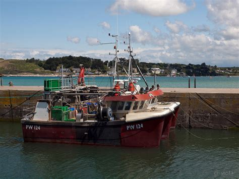 boat harbour rock fishing cristofa fishing boats in padstow harbour looking across