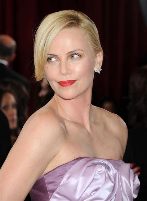 best 2010 oscars hairstyles oscar weekend zimbio charlize theron south african pinterest discover and