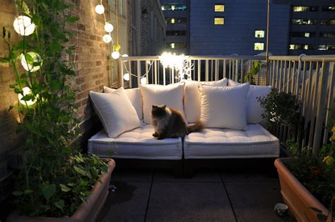 balcony design ideas 20 cozy balcony decorating ideas bored panda