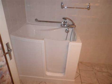 Nos installations de baignoires à porte   Vitanova