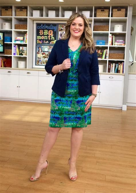 is mary deangelis on qvc pregnant is deangelis from qvc susan graver textured liquid knit