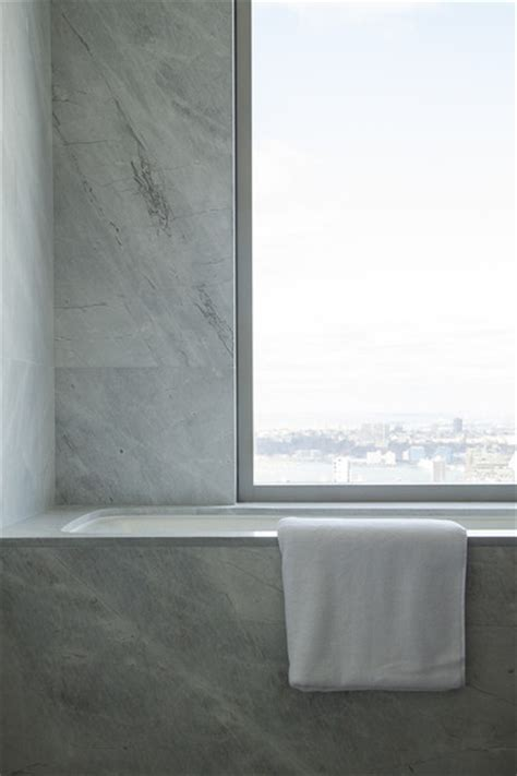 tom brady bathroom soak it in tom brady and gisele bundchen s nyc apartment