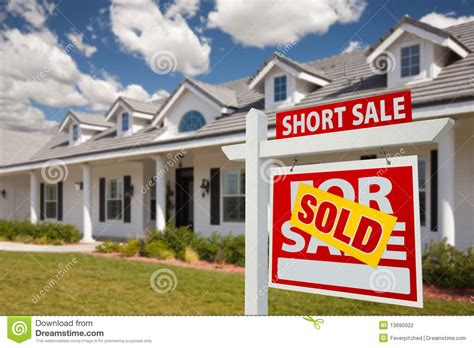 short sale house sold short sale real estate sign and house right stock photography image 13690922