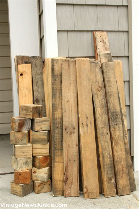 free wood pallets diy mini picket fence from an pallet