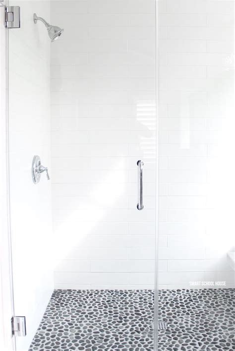 White Glass Tile Bathroom by 25 Best Ideas About White Subway Tile Bathroom On