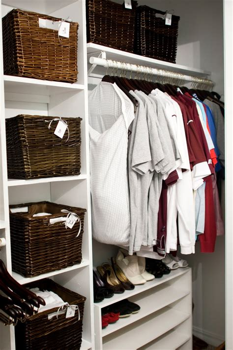 Baskets For Closet Storage by Remodelaholic Painted Storage Baskets
