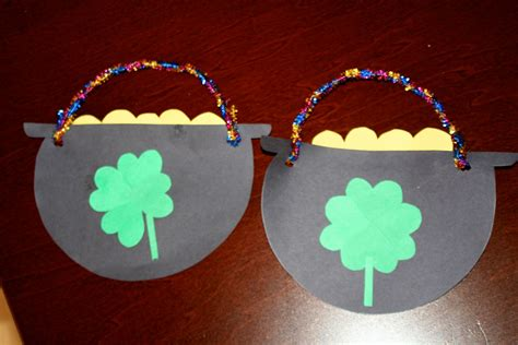 Crafts With Construction Paper - st s day pot of gold craft
