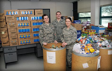 Food Pantry Springfield Ohio by The Ohio National Guard Photo Gallery November 2013