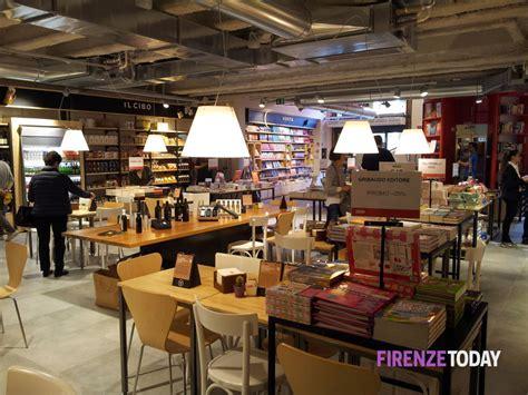 aprire libreria feltrinelli piazza della repubblica apre 25mila titoli tra vino