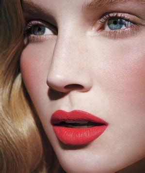 Makeup Laode five minute tips real simple