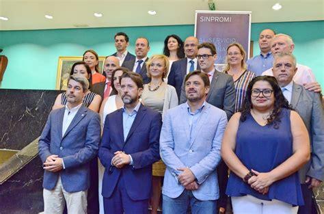 cadenas hoteleras tenerife sur el cabildo y 16 empresas hoteleras promueven el empleo de