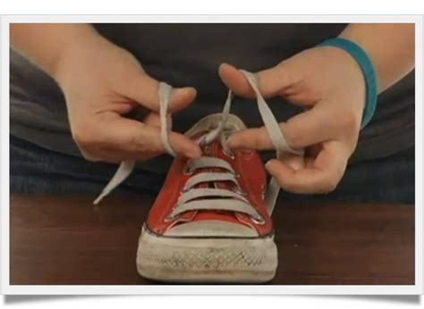 how to teach to tie shoes how to teach a 6 year to tie shoes in 5 minutes