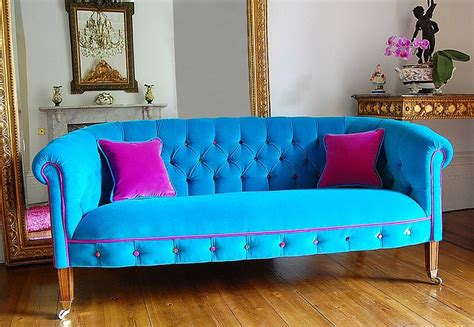 colorful sofa chic living room decorating trends to watch out for in 2015