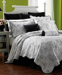 Martha Stewart Flower Song Quilt by Martha Stewart Collection Blossom Quilts At Macy S Bedspreads Martha