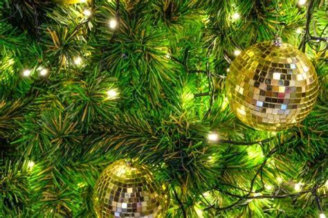 pre lit tree troubleshooting pre lit tree lights keep blinking thriftyfun