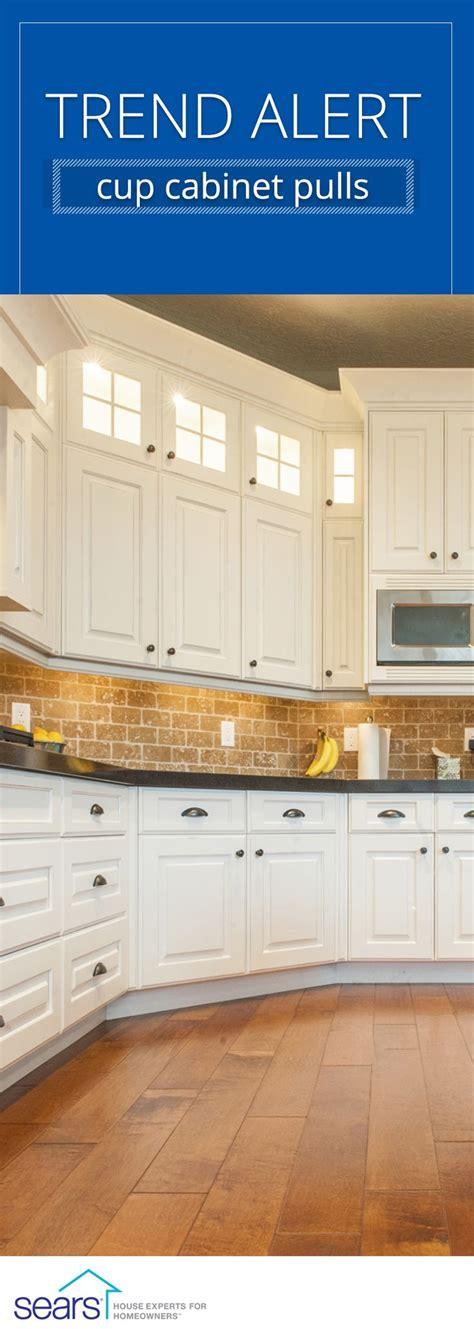 updating kitchen cabinet hardware best 25 kitchen cabinet hardware ideas on