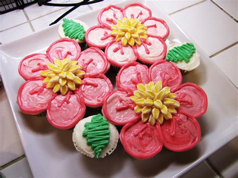 uniquely grace cakes  cupcakes