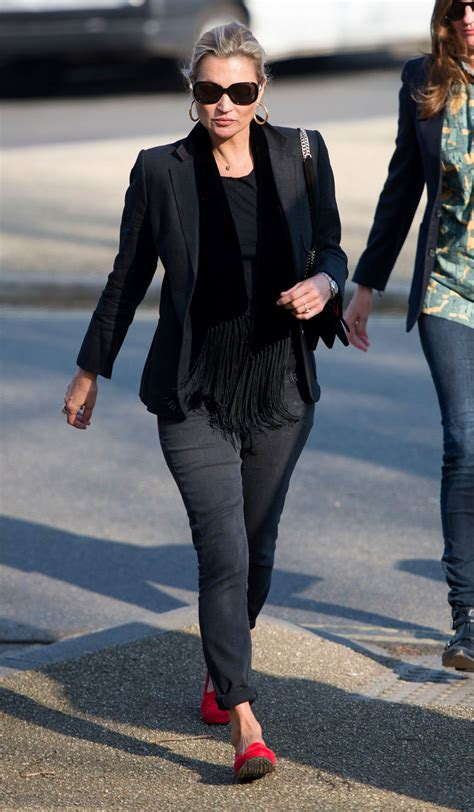 out of style 2017 kate moss casual style out in 3 27 2017