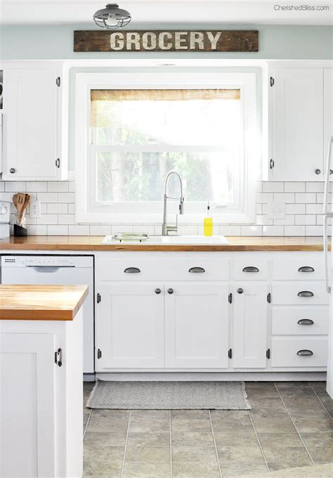 37 brilliant diy kitchen makeover ideas shaker style farmhouse cottage kitchen reveal shaker style cabinets