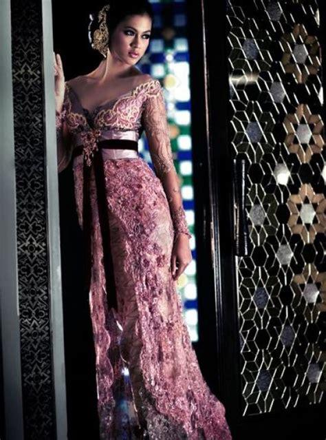 foto busana kebaya batik indonesia com kebaya anne avantie 2011 galery indonesia