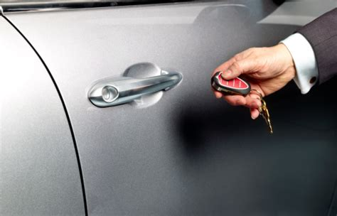 How To Unlock Car Door With Cell Phone by How To Unlock Your Car Using Your Cell Phone