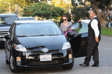 who does toyota own how many own a prius cars