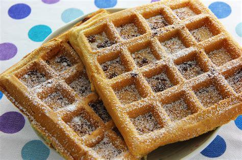 come cucinare i waffel come preparare i waffles con gocce di cioccolato