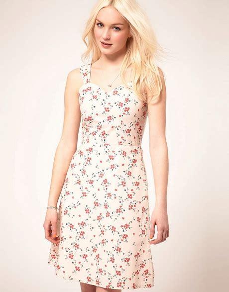 vestiti estivi a fiori vestiti estivi a fiori