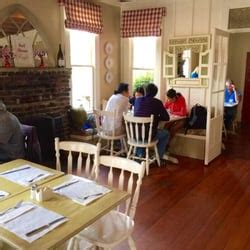 red house cafe pacific grove red house cafe 685 foto s 965 reviews amerikaans nieuw 662 lighthouse ave