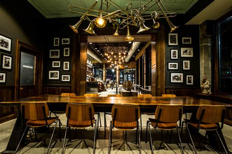 Starbucks Unveils New Store Inspired by New Orleans' Coffee Heritage and Artistic Spirit