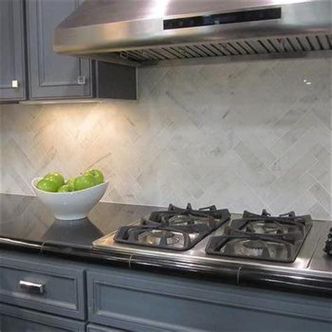 Backsplash Tiles For Kitchens Marble Herringbone Kitchen Backsplash Design Ideas