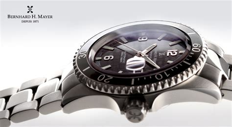 QNET SWISS WATCHES   QNET PRODUCTS: 'VN002349' IR ID QNET.NET, Bio Disc 2, Chi Pendant 2