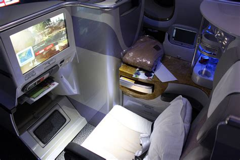 emirates premium economy class emirates airline a380 hong kong to bangkok business