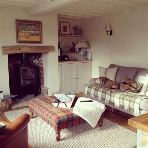 Cosy Living Room Ideas Uk by 9 Cosy Cottage Living Spaces Asnew Upholstery