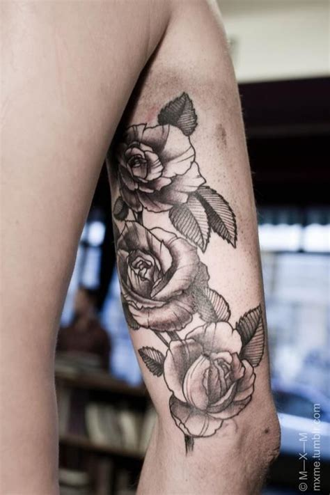 flower tattoo on upper arm roses tattoo on upper arms google search tats