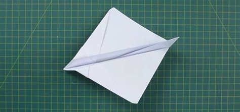 How To Make Paper Airplanes Fly Far - how to make easy paper airplanes that fly far and fast