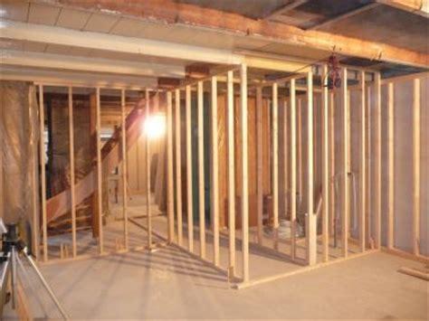 schouw ytong blokken nieuwe muur omwille van een hangend toilet