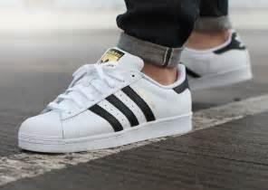 Hombres De Las Adidas Originals Cus 80s Casual Zapatos Beige Oro Zapatos P 113 by O 249 Acheter La Adidas Superstar Og 2015