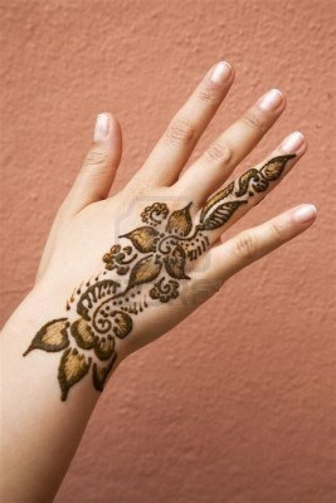 henna tattoo on your hand 1000 ideas about henna tattoos on henna