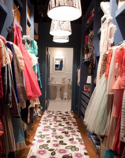 How Big Does A Walk In Closet Need To Be by Big Beautiful Walk In Closet Meandyoulookbook