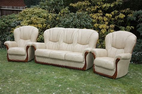 chesterfield settees second hand leather bardi chesterfield wing back 3 piece suite settee