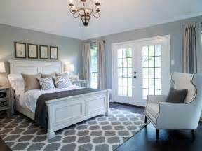 Paint Colors For Master Bedroom Fixer Yours Mine Ours And A Home On The River Hgtv S Fixer With Chip And Joanna