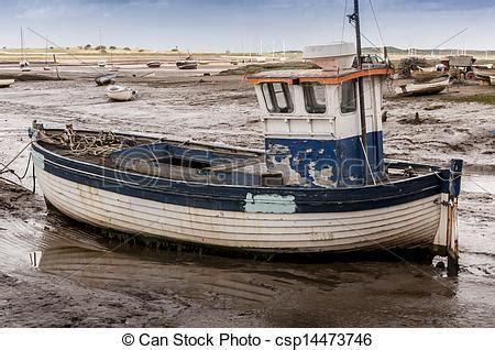 old fishing boat engine norfolk angleterre bois brancaster boue peche