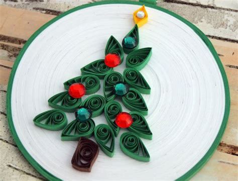 paper quilling christmas tree tutorial christmas tree ornament quilled paper white and green