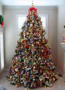 how to decorate pictures professionally decorated christmas trees with ribbon how