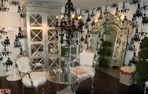 paris hilton bedroom rent paris hilton s hollywood crib at a deep discount