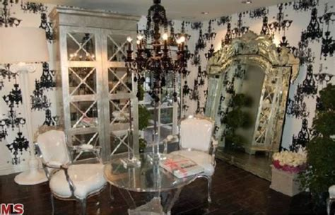 paris hilton bedroom rent paris hilton s hollywood crib at a deep discount